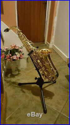 Yamaha YAS-25 Eb Alto Sax Saxophone with Case Strap Stand and Accessories